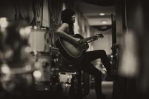 Tristan guitar black n white