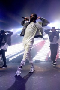 Jason Derulo performing
