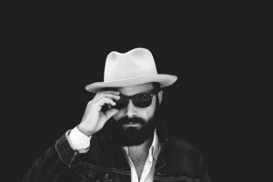 Drew Holcomb Press Photo 1